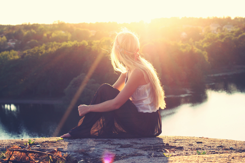 łono natury, medytacja, modlitwa, źródło: Unsplash